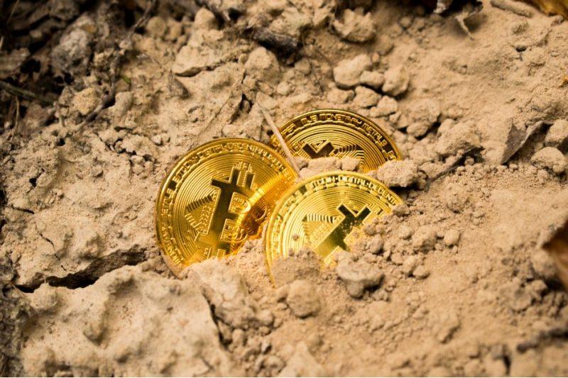 Blockchain Themed Spamming And Phishing